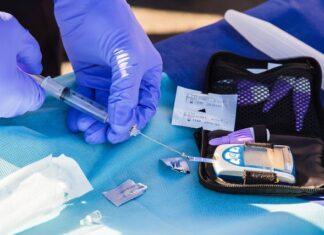 Can lantus be mixed with regular insulin